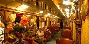 palace-on-wheels-restaurant-cabin