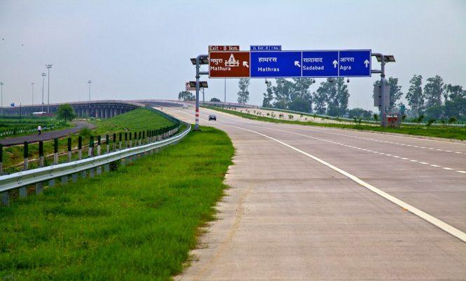Road trip delhi agra