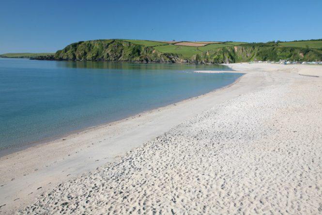 Beaches to Travel in UK