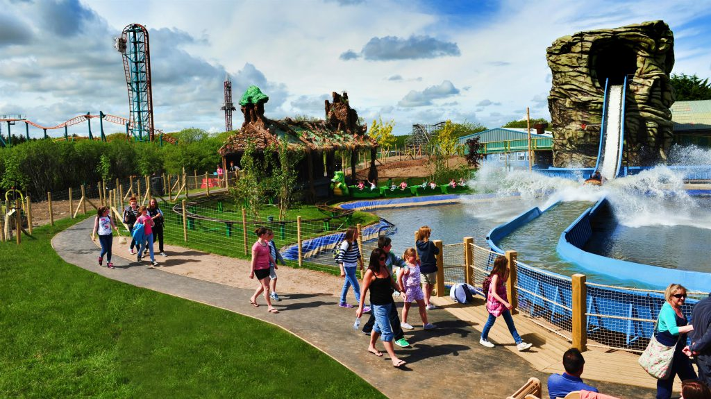 theme parks Dutch wonderland has over 35 rides, attractions, and shows, making it the perfect place for your next kid-friendly staycation view details here.