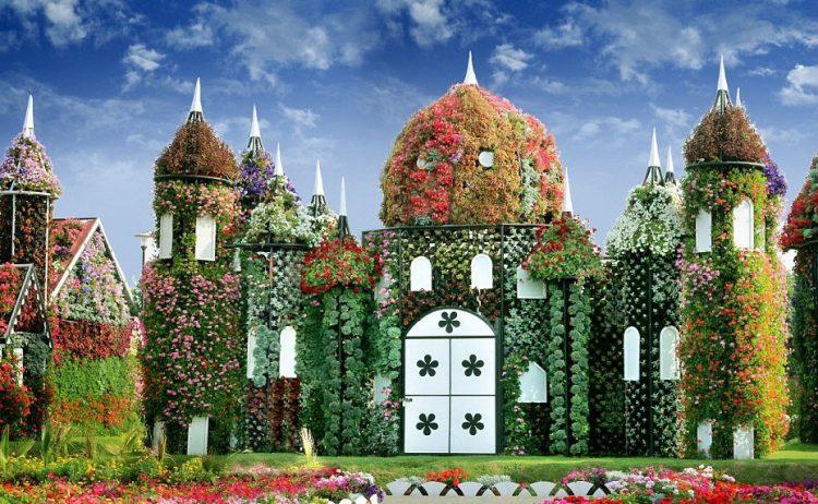 Dubai Miracle Garden-castle